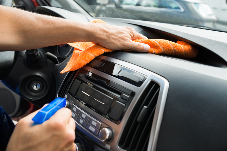 What is the best thing to clean car dashboard?